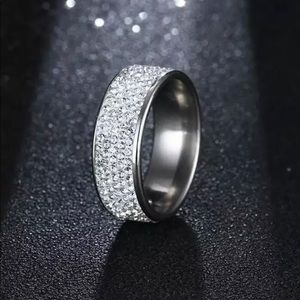 Jewelry - Blingy Crystal Ring